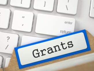 Three Grant Programs That Pay Cash for Expenses During Cancer Treatments